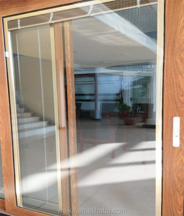 Aluminum blinds inside double glazed sliding door