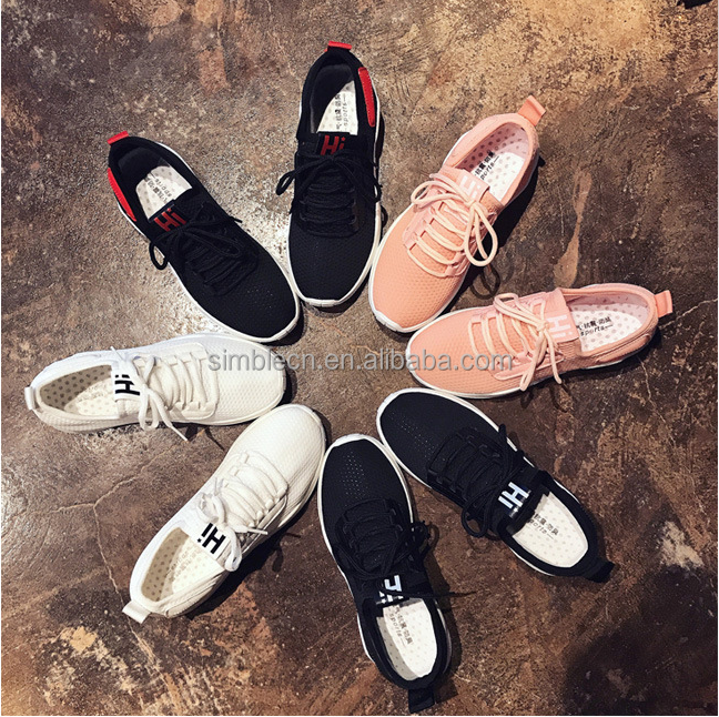 The new women's sports shoes spring air outdoor leisure shoes wear round head leisure running shoes wholesale