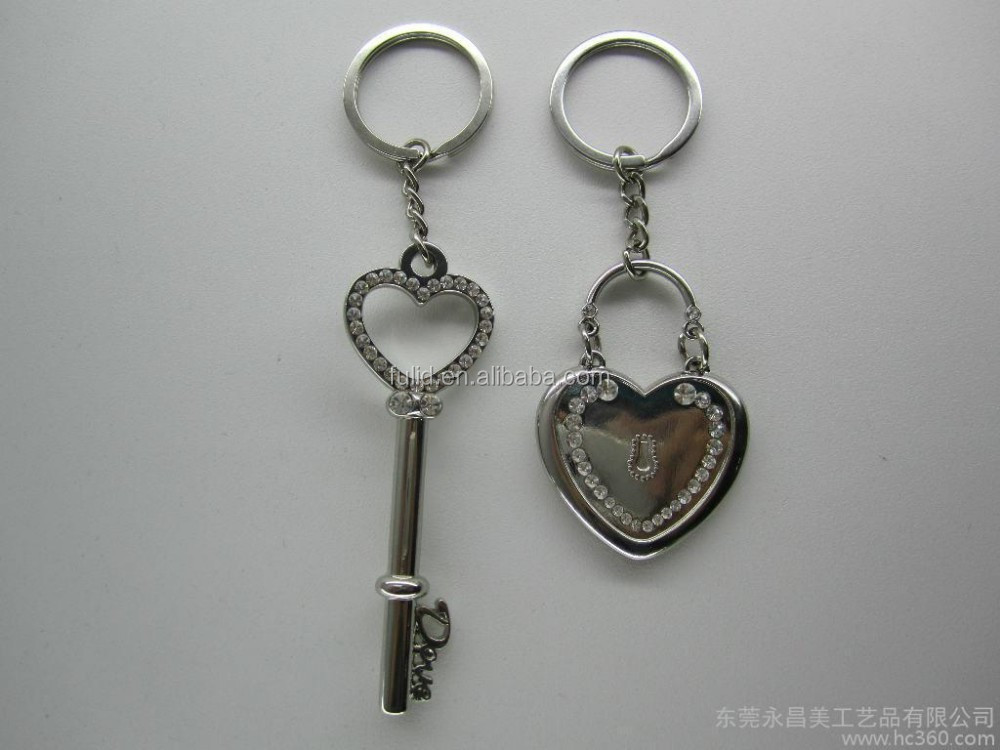 casting the key and lock metal keyring, stamping lovers keyrings