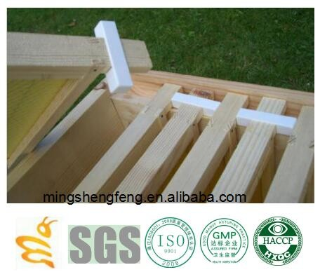 Narrow bee hive plastic frame ends or spacers