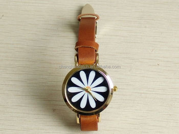 a06cae51dd7 Nova moda marrom mulheres de couro retro floral quartzo analógico pulseira  relógio de pulso