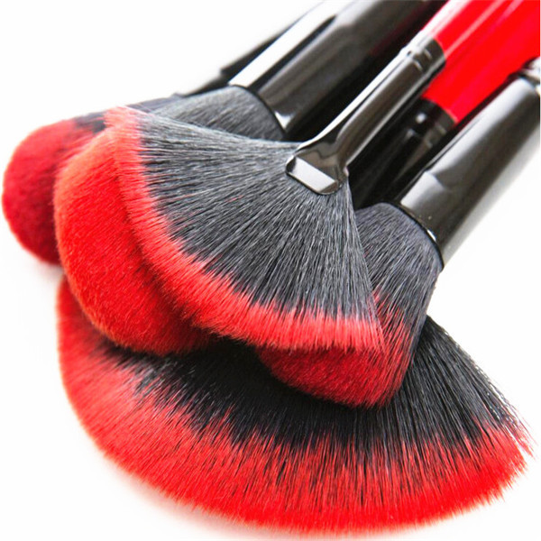Red Small Synthetic Hair Fan Brush Makeup Brush With Custom Logo