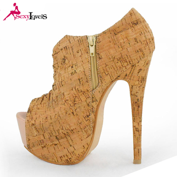 Large Size Wooden High Cut Shoes For