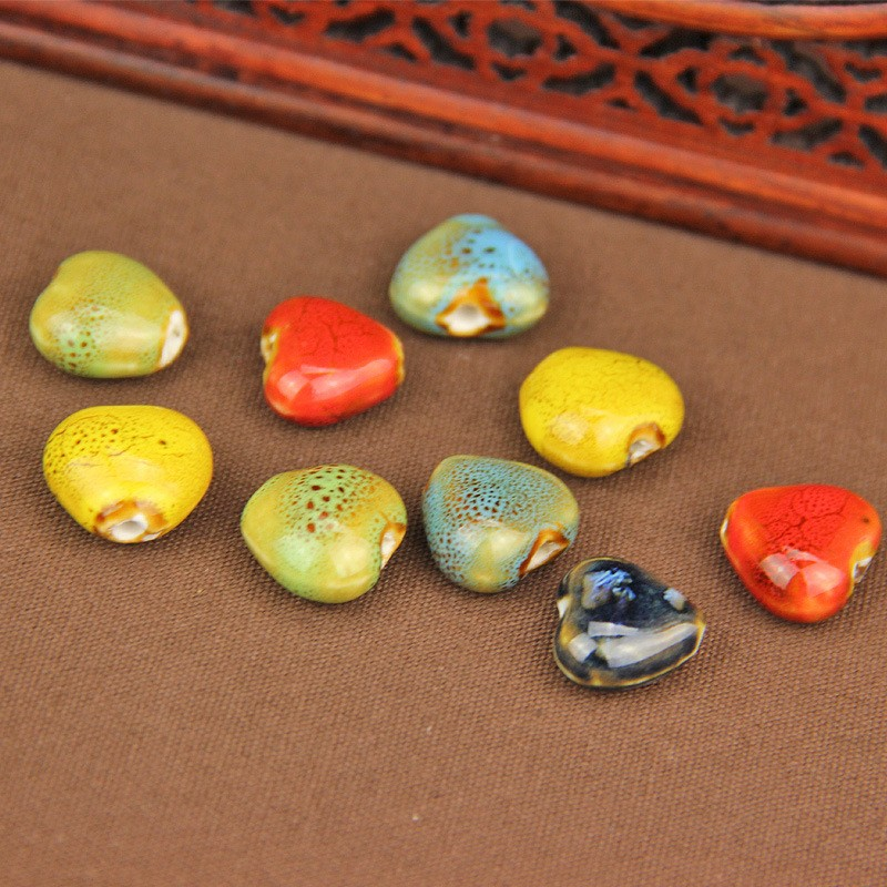 Queena Wholesale Heart Shaped Colorful Ceramic Beads For Jewelry Accessories