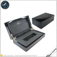 Metal LOGO Glued Glossy Black Painted Wooden Gift Box