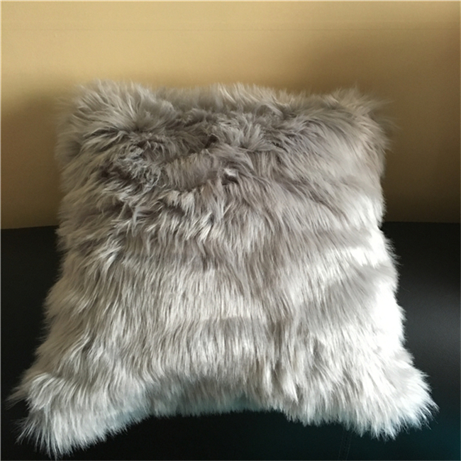 Square Faux Fur 18-inch Throw Pillow for Home Decoration