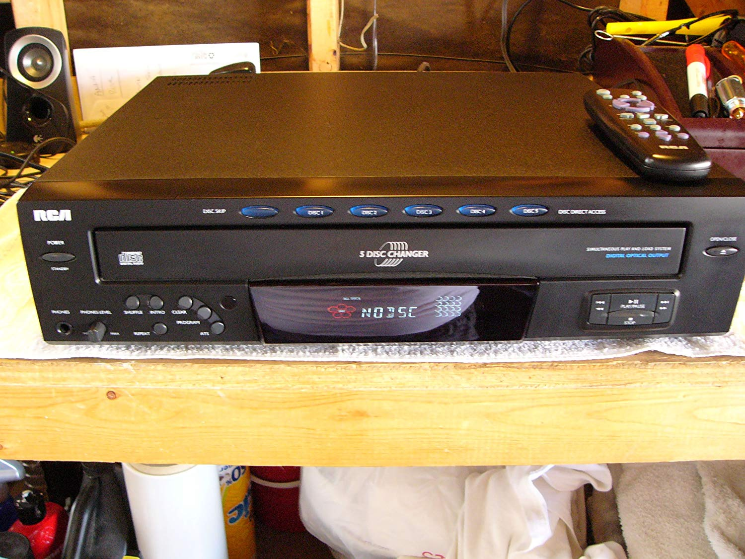 RCA RP8070D 5-Disc CD Changer Disc Direct Access Simultaneous Play and Load System