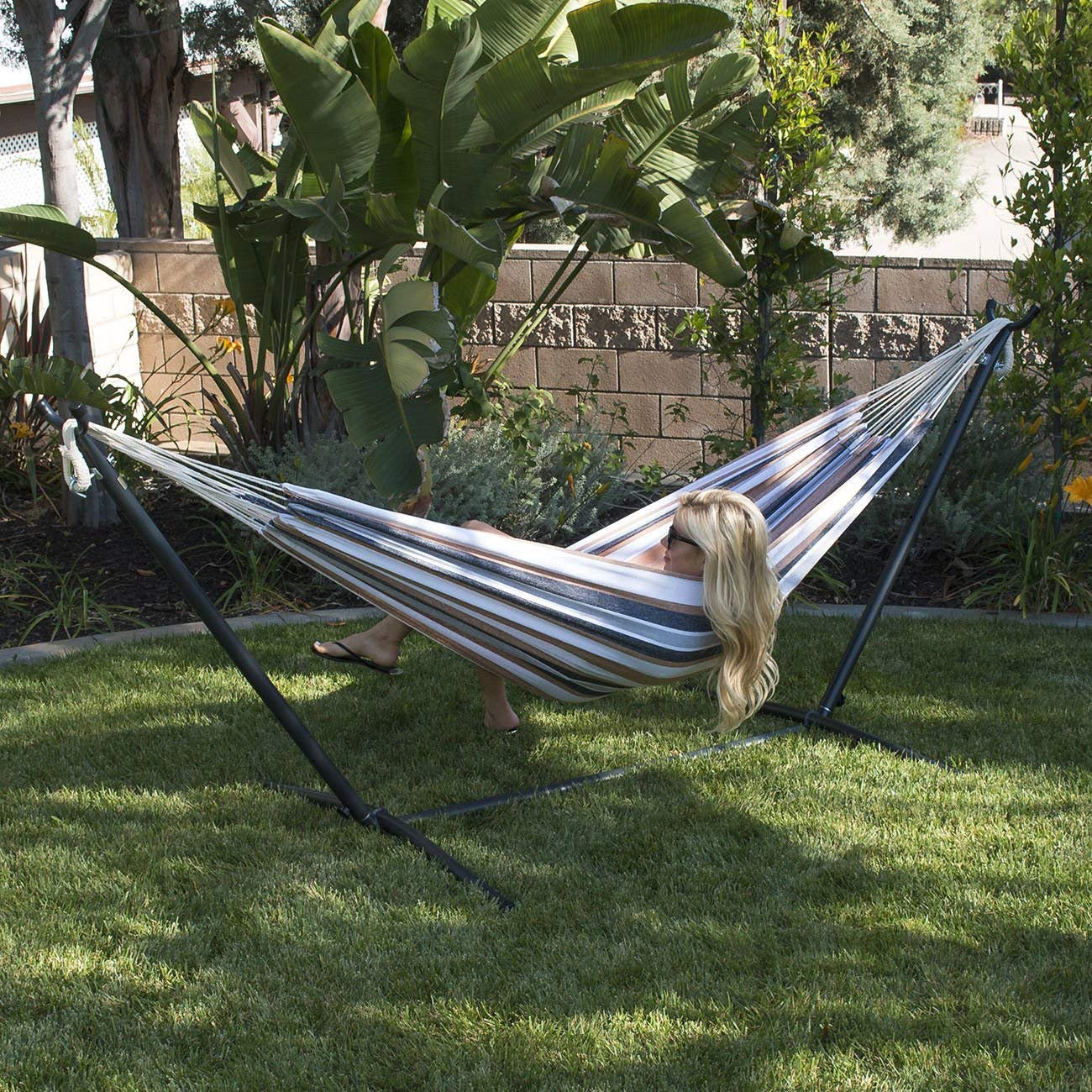Globe House Products GHP 450-Lbs Capacity Desrt Moon Outdoor Patio Cotton Double Hammock with Steel Stand