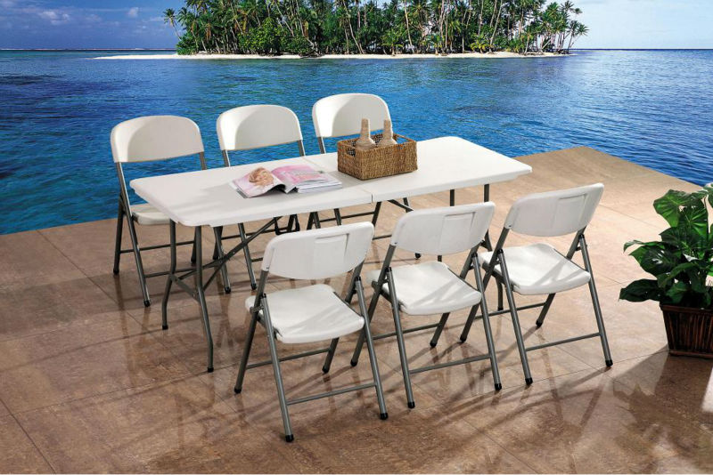 CLUB FOLDING TABLE