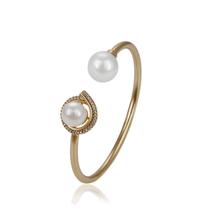 51767 Elegant ladies imitation pearl bangle, copper alloy jewelry with synthetic cubic zircon