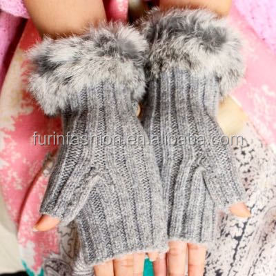 2017/2018 Wholesale New Design Winter Warm Knitted Wool Gloves with Rabbit Fur Trim for Fashion Women Typist