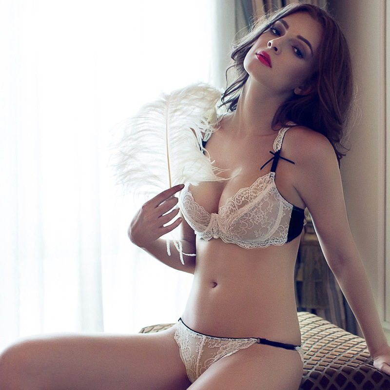 Hot girls in lingerie pics