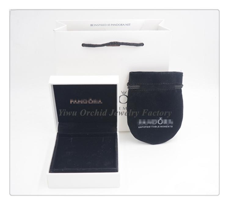 pandora alphabet voiture collection l on 2. Black Bedroom Furniture Sets. Home Design Ideas