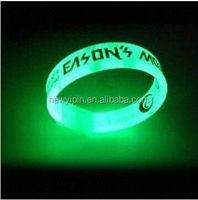 Silicone rubber LED bangles / luminous wristbands / flashing bracelet enjoyed a huge market