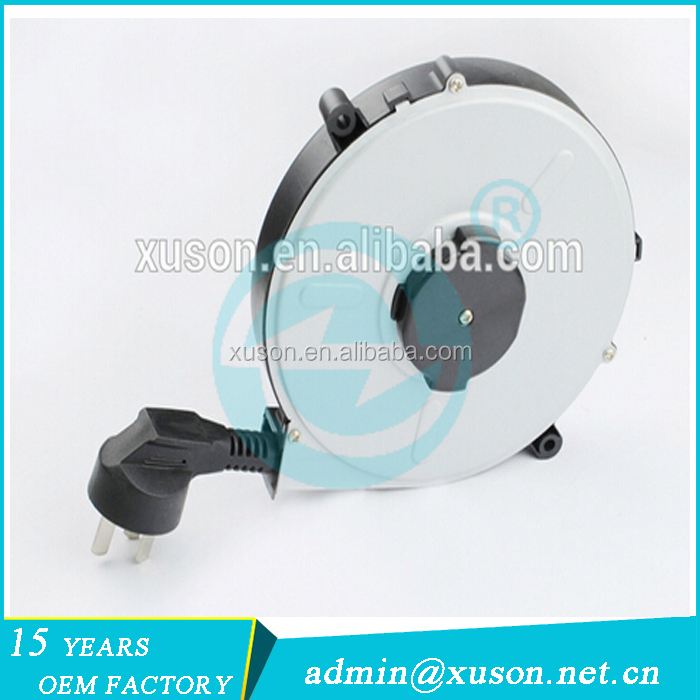 Retractable power extension 3 pin cord reel