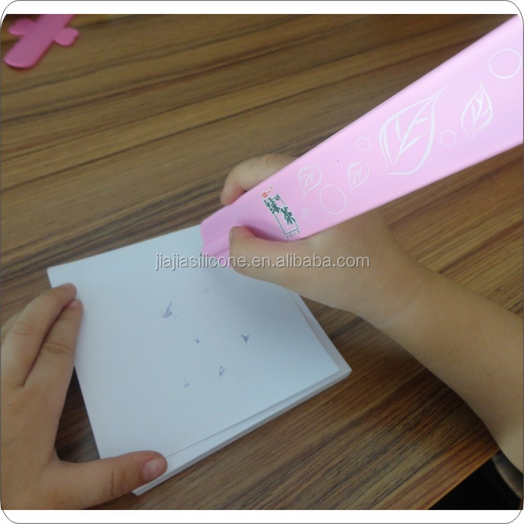 Cute advertising Fancy Design cheap silicone snap slap bands with pen