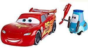 Cars 2 Gas Up & Go Guido and Lightning McQueen