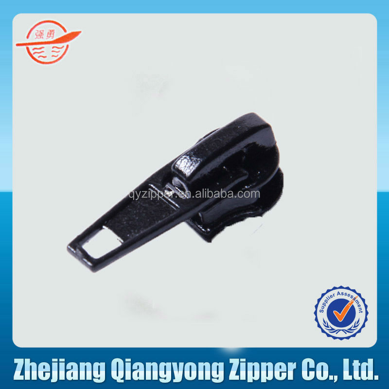 NO.4 auto lock zipper insertion pin