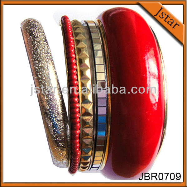 Fashion wide metal bangle set