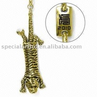 Metal Tiger Keychain, Ideal Gifts for Chinese/Lunar New Year, Made of Pewter Alloy