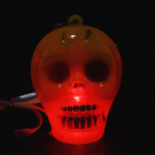 2018 intermitente collar extranjero luz LED colgante luz intermitente collar de Halloween juguete