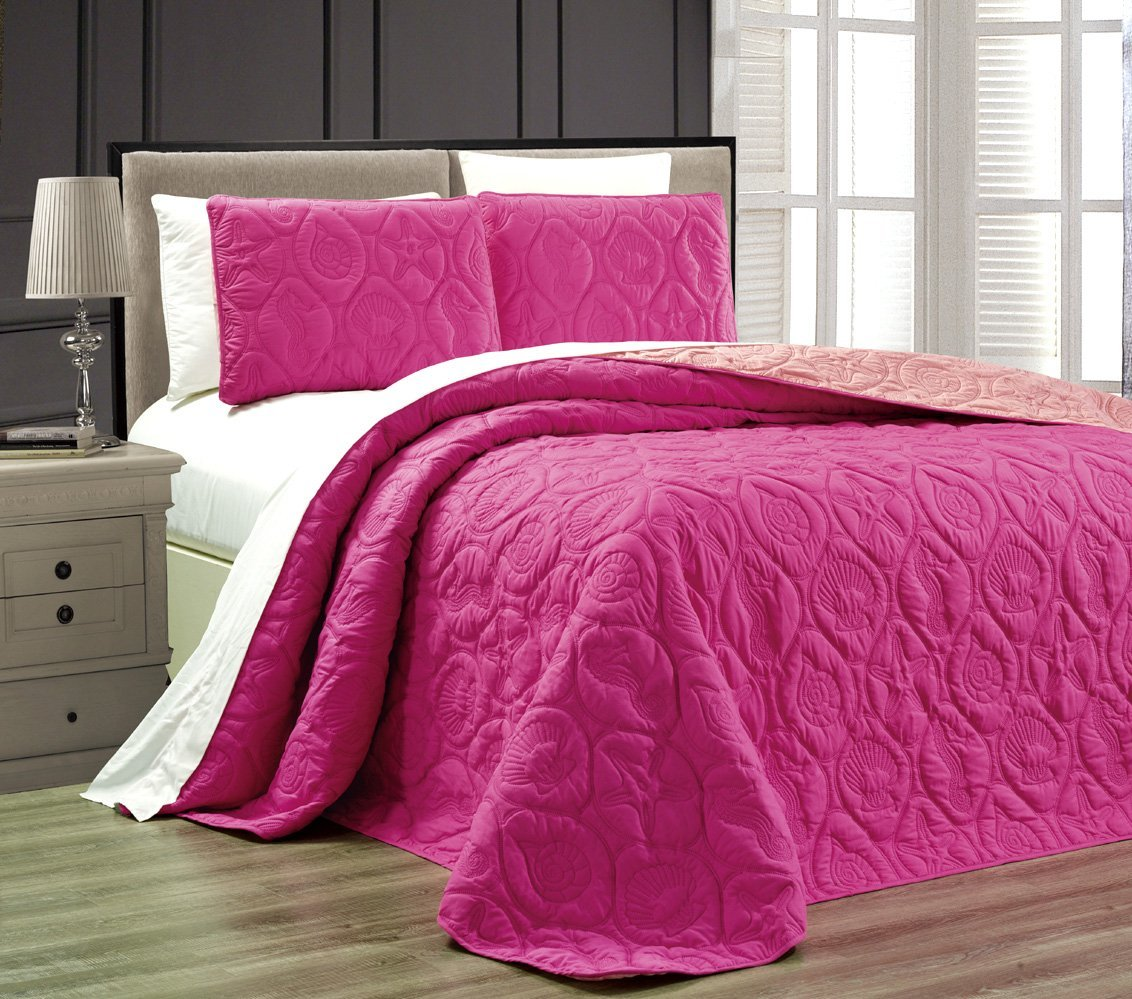 3-Piece Tropical Coast Seashell Beach QUEEN / FULL Oversize OVERSIZE Bedspread HOT PINK / LIGHT PINK Reversible Coverlet Embossed Bed Cover set. Sea Shells, Sea Horse, Starfish etc.