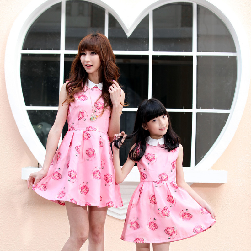 The new parent child outfit 2015 Europe and America big European mother and daughter outfit sundress