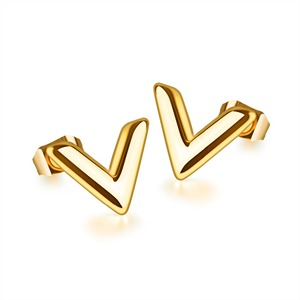 2018 Fashion Jewelry Cute Letter V 22K Gold Stud Earrings For Girl Women