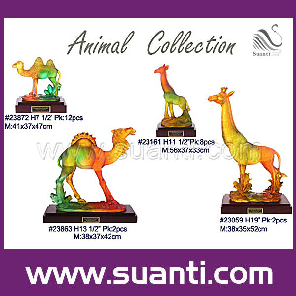 2018 Innovative Colorful Transparent Liuli Effect Resin Camel and Giraffe Statue for Home Decor