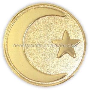 Souvenir Use and Carved Technique shinny gold edge Moon Star metal lapel pin