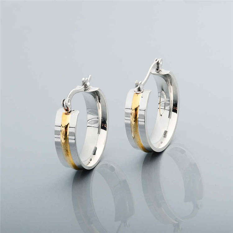 Fancy Gold Beautiful Designed Ring Shaped Earrings
