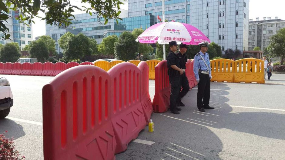 Road Safety Products On Road Flexible Plastic Barriers
