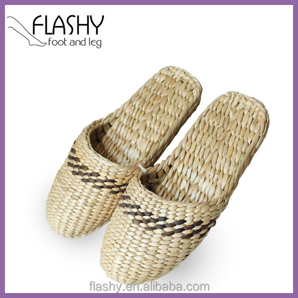 Wholesale beach <strong>slipper</strong> women fashion raffie sandal <strong>slippers</strong> flat 2017