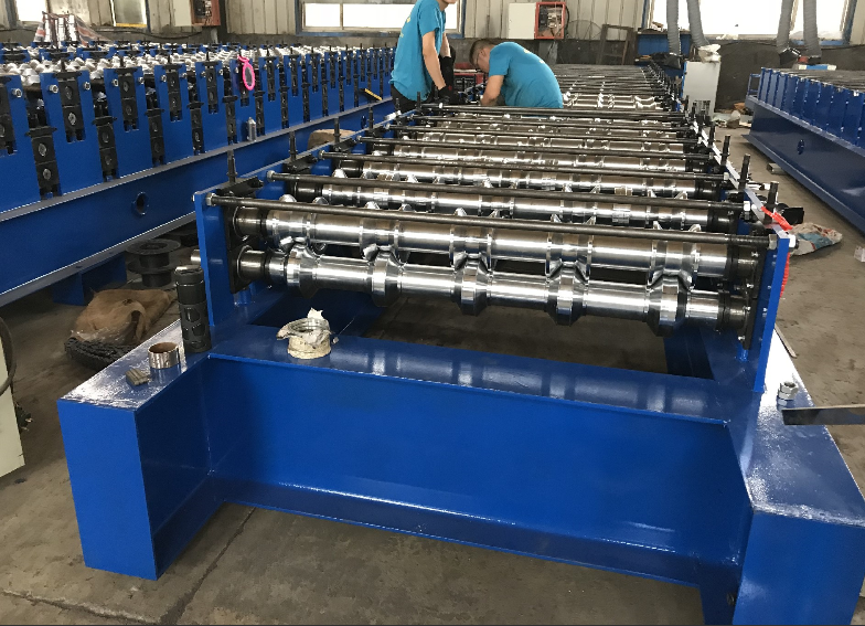 840 China market high quality IBR metal roof sheet panel roll forming machine