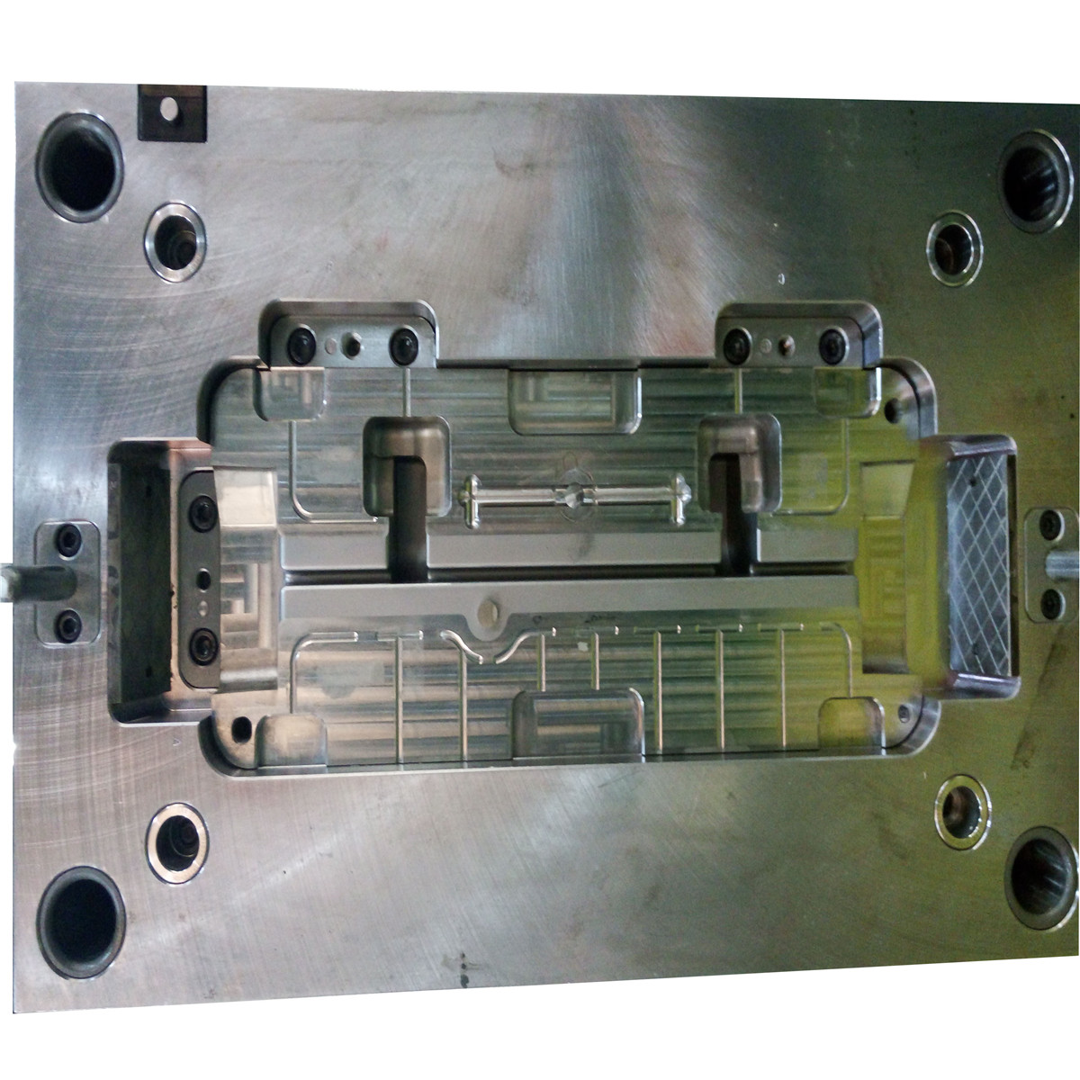 Professional p20 mold base plastic injection Mold/cheap plastic injection Mould