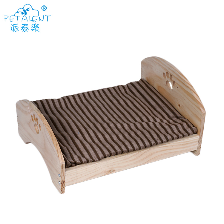 Plush mat wooden pet bed for dog cat