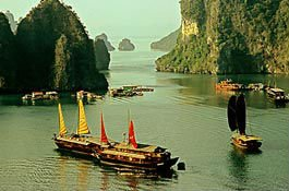 HA LONG BAY ONE DAY NATURE WALK,CULTURAL IMMERSION, LIEN MINH TOUR