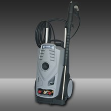Automatic floor clean machine