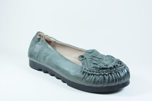 Women Gender Comfort Genuine Leather Shoes with Flat Outsole