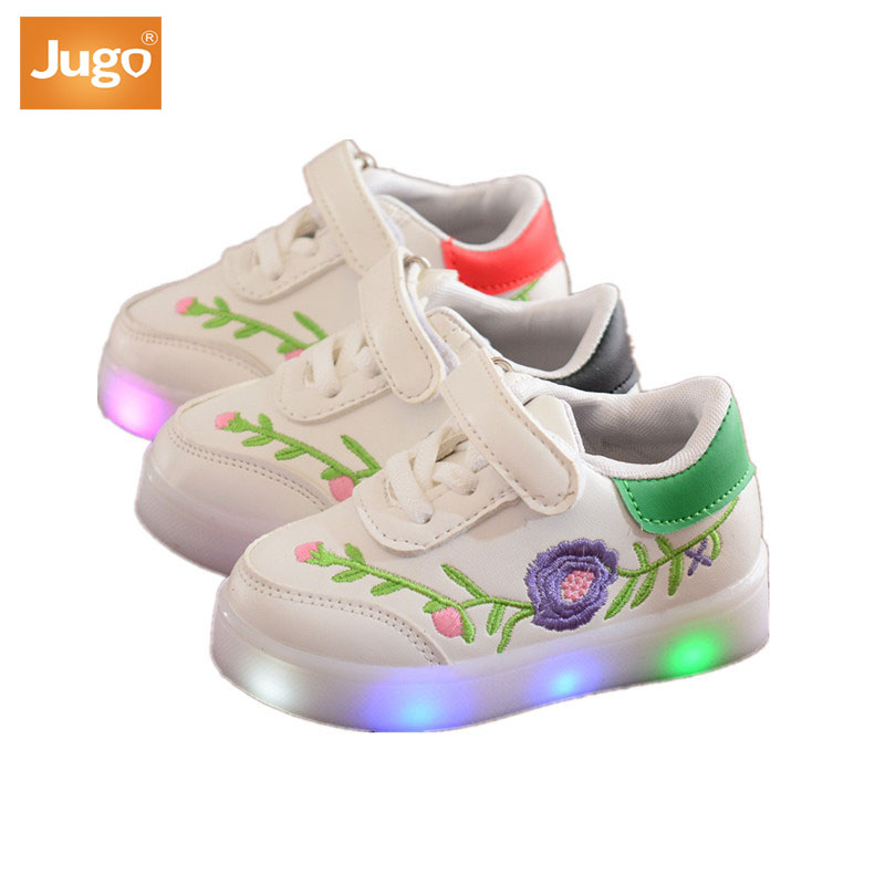 LED Fashion Flower Embroidery Princess New Children's Board Casual Shoes