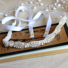 Bulk silver plated rhinestone wedding accessory hair piece chain crystal lace trimming bridal feather headband with ribbon