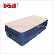 Portable inflatable adult twin air bed with built in pump