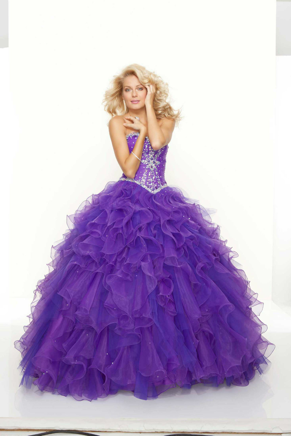 Get Quotations · Free Shipping Beautiful Beaded Top Puffy Skirt Ball Gown  Pretty Quinceanera Dresses 750b1b91bd34