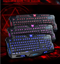Blau Rot <span class=keywords><strong>Lila</strong></span> Drei Farbe Hintergrundbeleuchtung Gaming <span class=keywords><strong>Tastatur</strong></span> 3 Farbe Transformation USB verdrahtete Schwimm LED Backlit M200