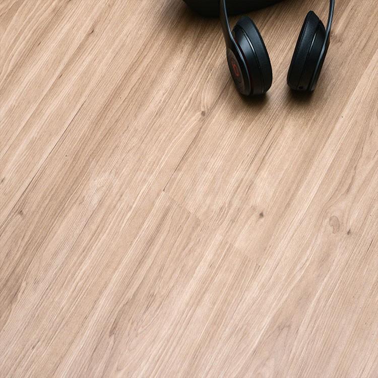 Brown wood anti scratch click lvt flooring.jpg