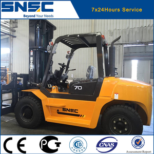 Djibouti port 7 ton diesel container stacking forklift