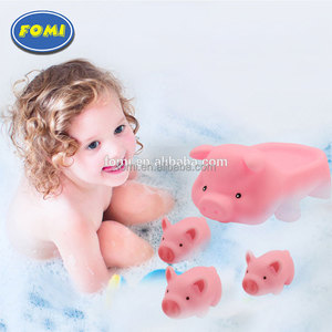 Cheap swimming soft rubber pig shape baby bath toy for promotion