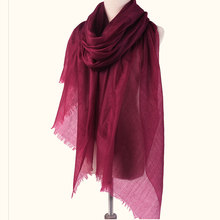Combed 300s cashmere woven shawl