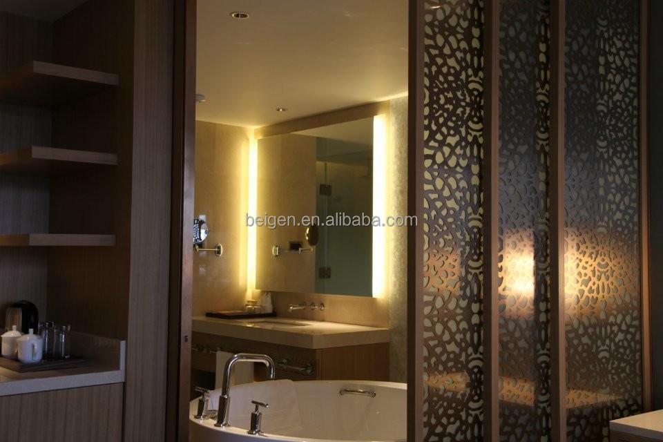 Hotel ba o espejo con iluminaci n de fondo moderno ba o - Iluminacion espejo bano ...