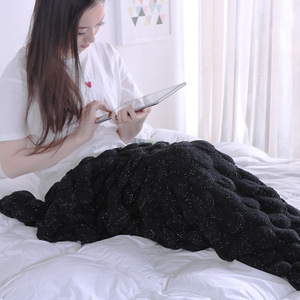 Wholesale100% Acrylic Fibers Knitted Throws Handmade Crochet Very Soft Fish Scale Style Mermaid Tail Blanket